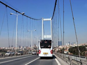 Boğaziçi Köprüsü'nde metrobüs kazası: 5 yaralı