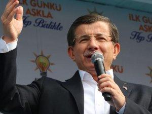 Davutoğlu Van'da konuştu: Beyaz toros dedi sosyal medya karıştı