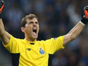 Casillas rekor kırdı!
