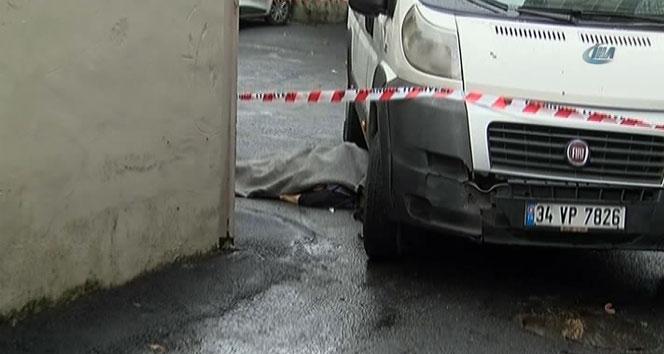 Minibüsün altında metrelerce sürüklenen yaşlı kadın öldü