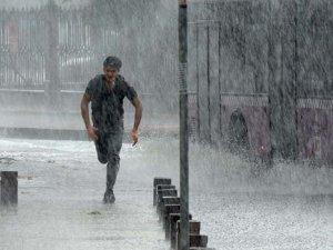 İstanbul'a bugün ve yarın şiddetli yağış uyarsı