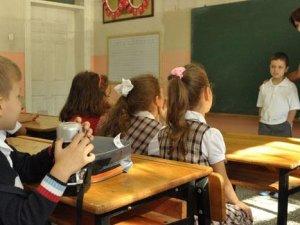 Okullarda salgın hastalıklara karşı 'erken uyarı sistemi'