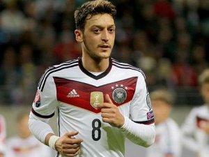 Mesut Özil son 3 maçın en iyi oyuncusu