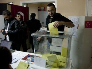 Yunanistan'da oy verme işlemleri sona erdi