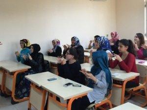 Bir ilk: İşaret dilinde ilk yardım eğitimi