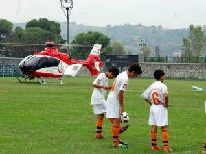 Maç oynanırken, sahaya helikopter inerse...