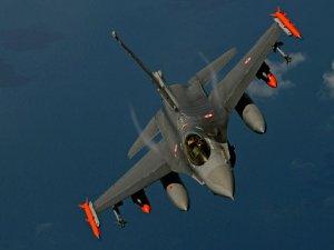 Ege'de Türk uçaklarına Yunan tacizi