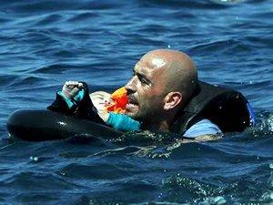 Ege Denizi'nde sığınmacıları taşıyan tekne battı: 21 ölü