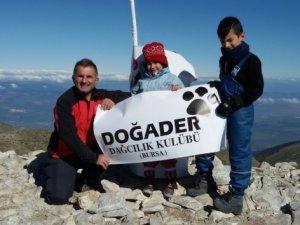 5 yaşında Uludağ'ın zirvesine tırmandı