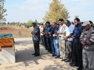 Boğazı kesilen gazeteciler defnedildi, gözaltına alınan 26 şüpheli serbest