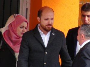 Bilal Erdoğan eşiyle birlikte oyunu kullandı
