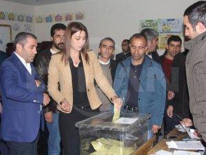 Doğu'da oy işlemi sona erdi, sandıklar açılmaya başlandı