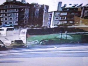 Yolcu otobüsü 6 araca çarptı