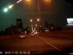 Tayland'da gök cismi geeyi aydınlattı