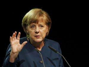 Merkel'in 'Balkanlar'da çatışma çıkar' sözlerine bölgeden tepki