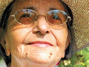 Ünlü şair Gülten Akın hayatını kaybetti