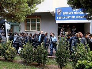 İzmir merkezli operasyonda yakalanan 36 kişi adliyeye sevk edildi