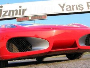 İzmir'deki yarışlara rekor davetiye