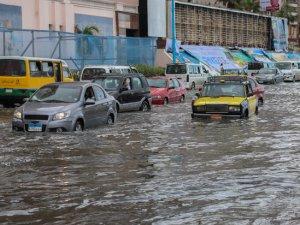 Mısır'da şiddetli yağış nedeniyle 44 kişi hayatını kaybetti