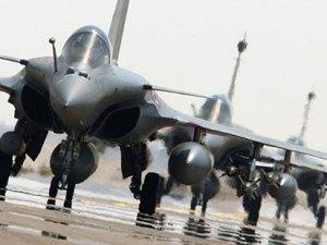 Fransa IŞİD'in petrol tesisini vurdu