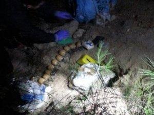 İzmir'de bombalı eylem hazırlığındaki 3 terörist suçüstü yakalandı
