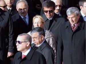 Devlet Bahçeli, anma törenine katılmadı haberlerini fotoğrafla yalanladı