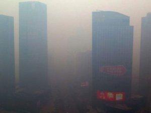 Çin'de yoğun sis hayatı olumsuz etkiliyor