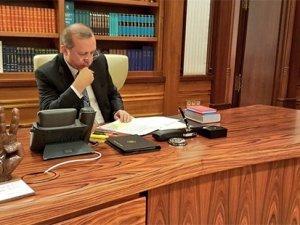 Erdoğan'ın makam odasındaki 'rabia heykeli' dikkat çekti
