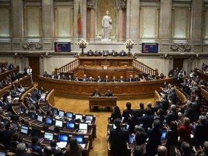 Portekiz'de 10 gün sonra hükümet düştü