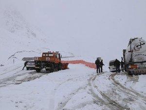 Doğu'da kar nedeniyle 290 köy yolu ulaşıma kapandı