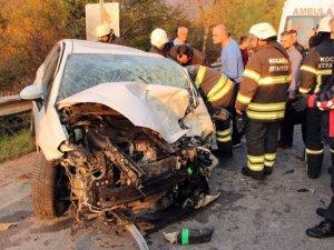 Otomobil hafriyat yüklü kamyonla çarpıştı: 1 ölü, 1 yaralı