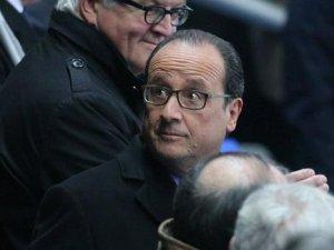 Hollande G20 için yapacağı Türkiye ziyaretini iptal etti