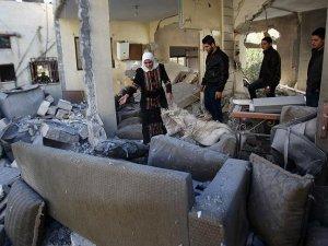 İsrail 4 Filistinlinin evini yıktı