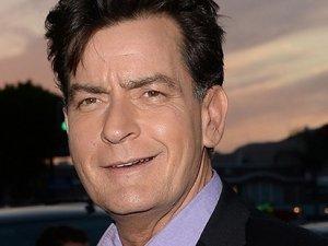 Charlie Sheen HIV virüsü mü taşıyor?