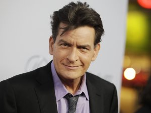 Charlie Sheen: HIV Pozitifim