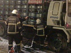 Tüp yüklü kamyonda yangın paniği