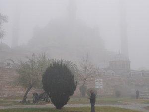 Selimiye Camii sise gömüldü