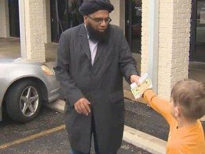 Amerika'daki camiye 20 dolarlık yardım yaptı