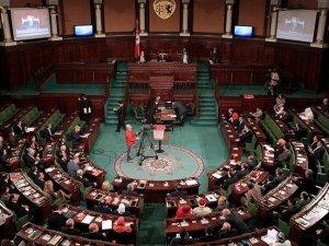Tunus'ta iktidar partisinin 32 milletvekili istifa etti