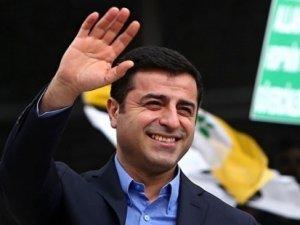 Diyarbakır Valiliği: Demirtaş'ın aracında ateşli silah artığına rastlanmadı