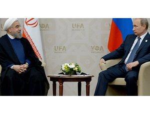 Putin ve Hamaney: Suriye için dışarıdan çözüm varyasyonu asla dikte edilemez