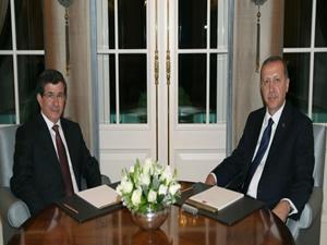 Erdoğan ve Davutoğlu bugün bir araya geliyor