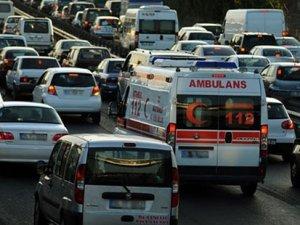 Ambulansa yol vermeyen sürücüye ceza