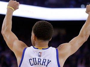 Warriors, NBA tarihine geçti