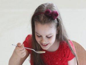 Yiyecekleri iyi çiğneyerek sindirim hastalıklarından korunun!