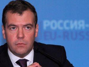 Medvedev: 'Ortak projeler iptal edilebilir'