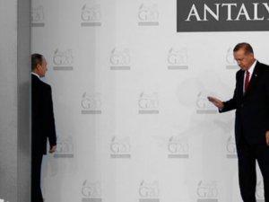 Yeni Şafak: Erdoğan ile Putin'in Paris'te bir araya gelmesi planlandı