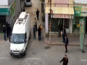 Adana'da 'bomba yüklü araç' alarmı