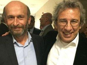 Can Dündar ve Erdem Gül'ün tutuklanmasını dünya medyası nasıl duyurdu?