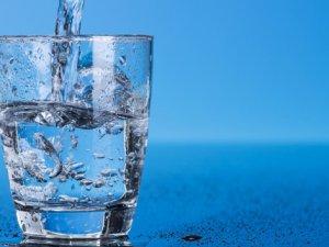 Cildinizi su içerek koruyun